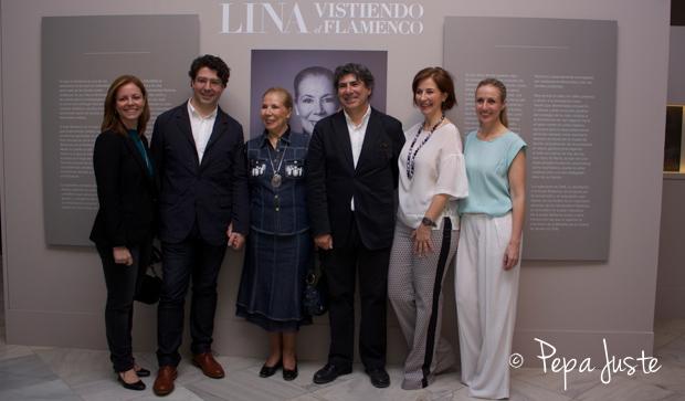 Lina con sus hijos, María del Mar, Victor, Francisco Javier, Rocío y Mila Montero