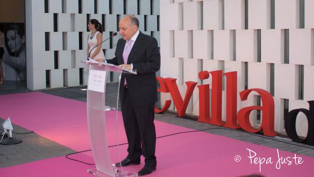 Francisco Valderrama presentando el nuevo proyecto