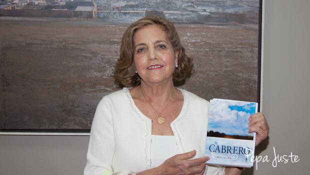 """La autora, Carmen María Pérez Rivero nos presenta la portada de su libro """"El Cabrero"""""""