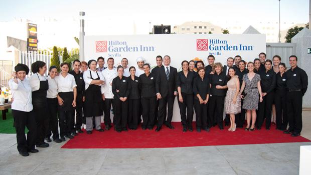 El fantastico equipo del hotel Hilton Garden Inn