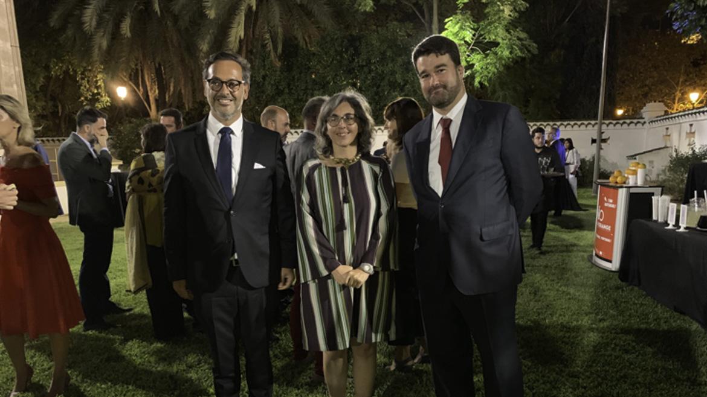 Joao Fernandes, presidente de Turismo de Portugal; Anabela Afonso y Joao Queirós, consul general de Portugal en Sevilla