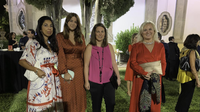 Dora Paniagua, Adela Requena, Edurne Echevarría y Maribel Fatou