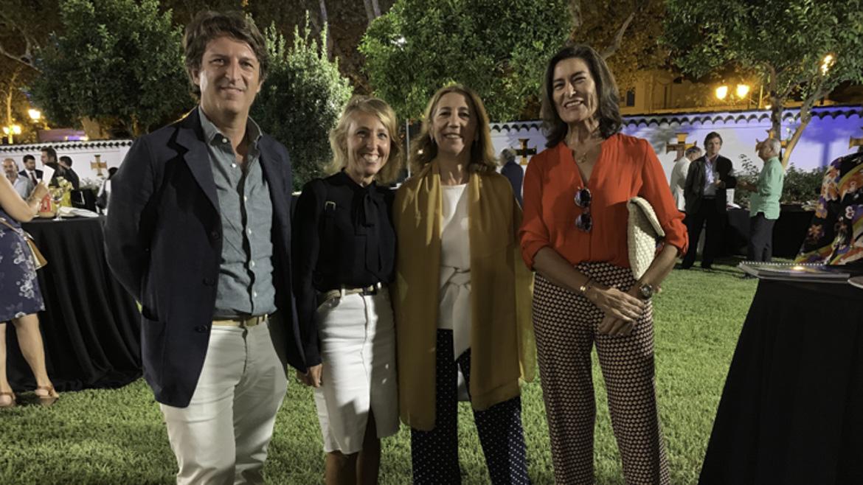 El reputado Chef, Paco Ybarra, Lourdes Jurado, Carmen Rivera y Lola Cabezas.